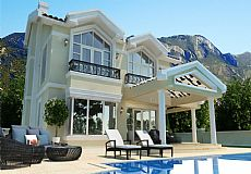 Stunning 4 bedroom villa for sale in Kyrenia city North Cyprus with breathtaking sea view