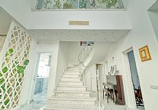 Unique luxurious mansion on the hills of Kyrenia overlooking city and Mediterranean - 9