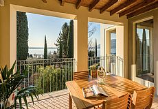 Ample & Prestigious 4 Rooms Residence at Lake Iseo, Italy